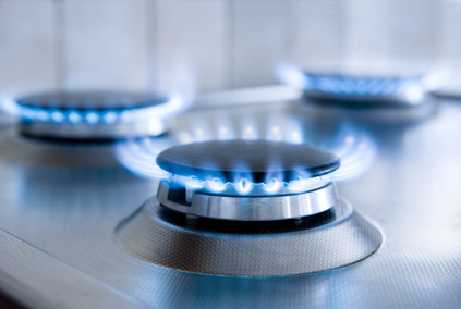 Gas statt Strom beim Kochen spart Energie (Fotolia/by-studio)